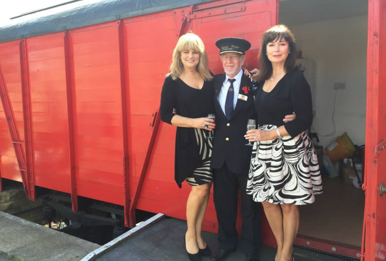 Carole Ashby och Alison Worth vid Nene Valley Railway