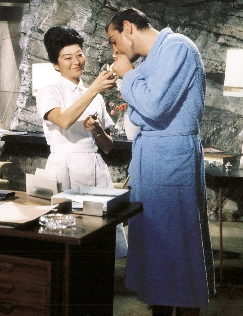 Yvonne Shima and Sean Connery in Dr. No