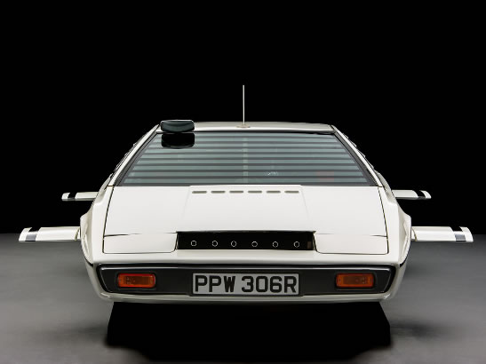 James Bond Lotus Esprit Wet Nellie submarine