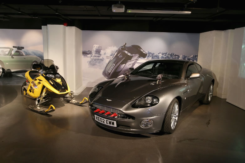 Aston Martin V12 Vanquish Bombardier  MXZ Rev Ski-doo from Die Another Day 2002