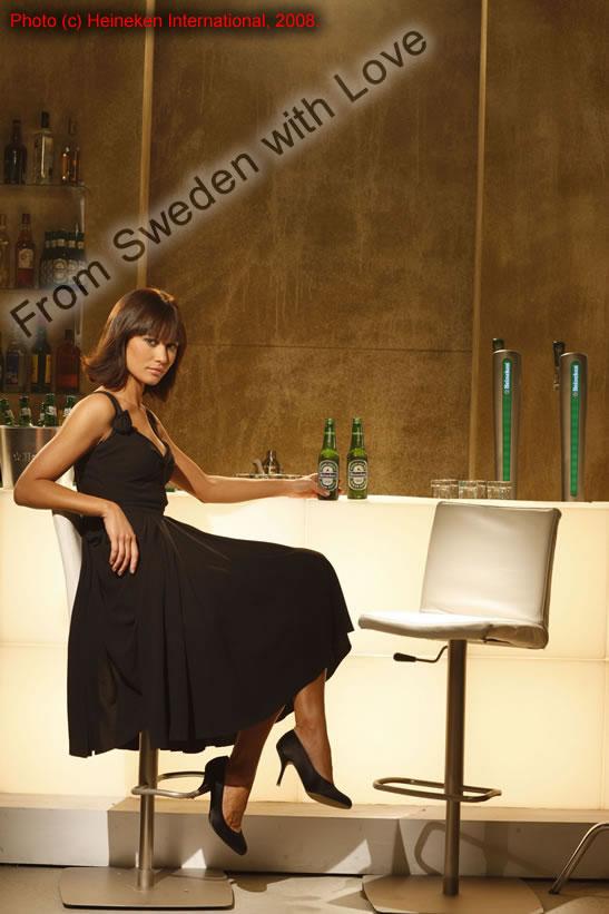1c281594ab Olga Kurylenko i Heinekens James Bond-kamanj