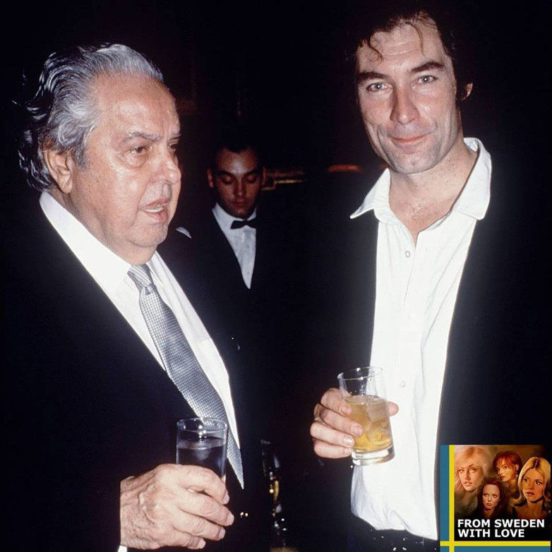Timothy Dalton & Bond producer Albert R. Broccoli at the premiere of Licence to Kill in London