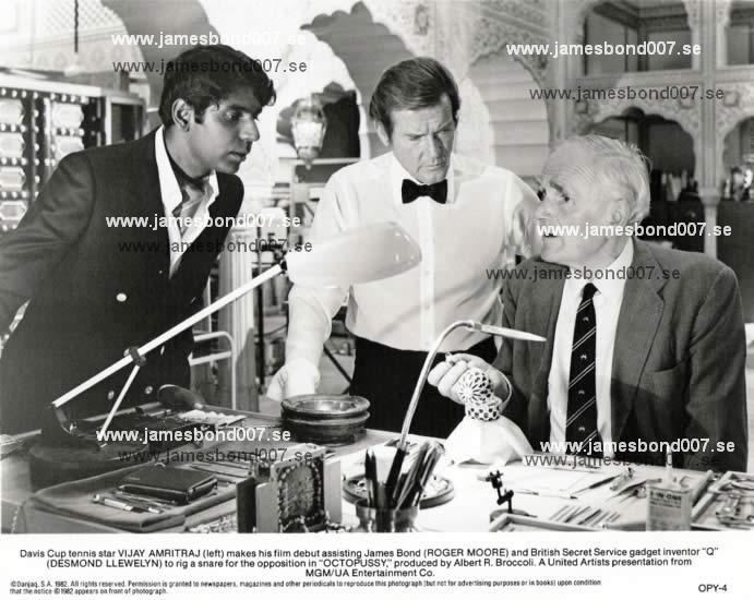 Vijay Amritraj, Sir Roger Moore and Desmond Llewelyn OPY-4