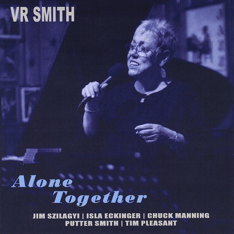 VR Smith sjunger Alone Together