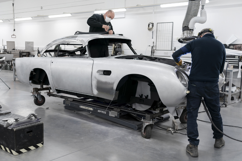 Aston Martin DB5 Newport Pagnell produktion