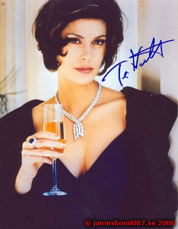 Teri Hatcher Paris Carver